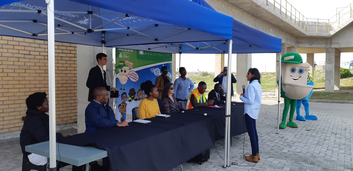 Members of the EU, UNIDO and REEEP delegations as well as municipal officials attend a presentation at the Fishwater Flats Waste Water Treatment Works.