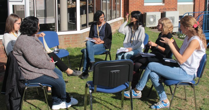 From left to right: Amanada McKee of GGKP, Michele Lopez of CCCCC, Fatema Rajabali of IDS, Samantha Shuchismita of the Univ. of Sussex, Martina Ulrichs of IISD and Anneli Sundin of SEI